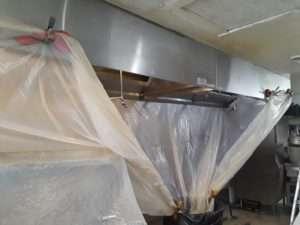 How to Clean the Inside of a Range Hood