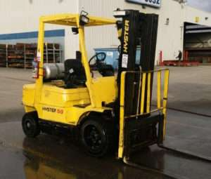 Tips to pressure washing your heavy equipment